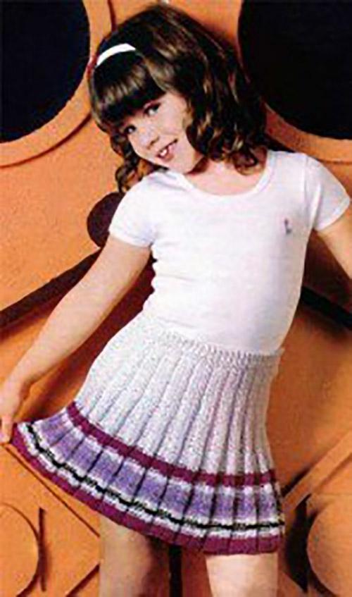 Связанная на спицах юбка для девочки 125